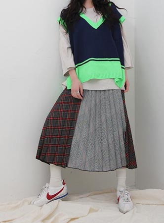check mix pleated long skirt