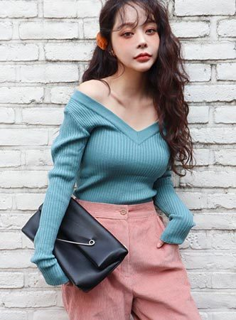 deep V knit top (5 colors!!)
