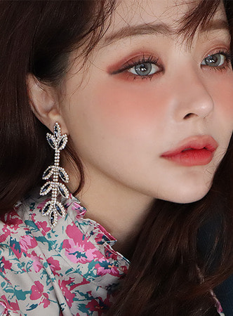 all cubic leaf earring