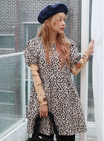 puff sleeve leopard dress