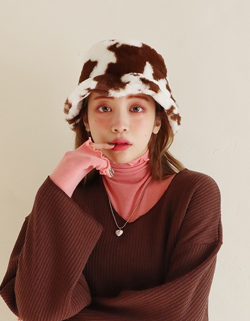 cow fur bucket hat (2 colors)